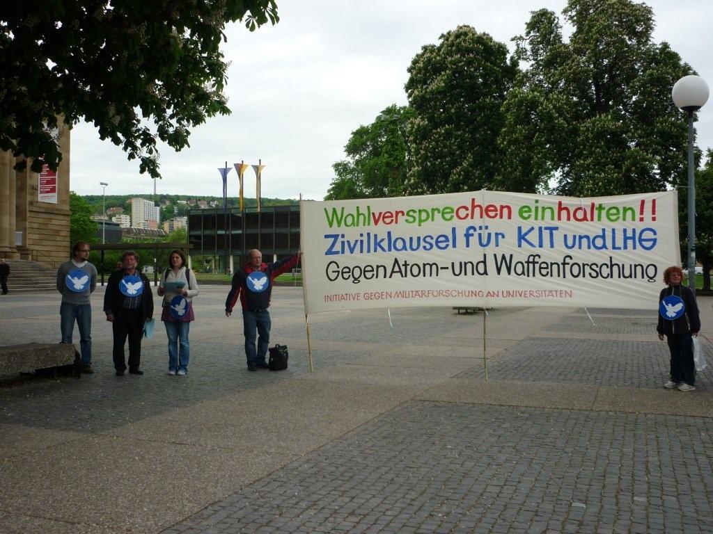 Mahnwache vor dem Landtag